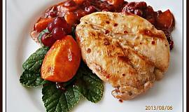 Kuřecí prsa v meruňkovici, s pikantním ovocným přelivem