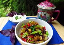 Lilek s vepřovým masem na asijský způsob