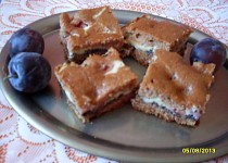 Nekynutý koláč se švestkami a tvarohem