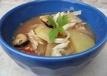 Polievka z morských rýb a plodov mora