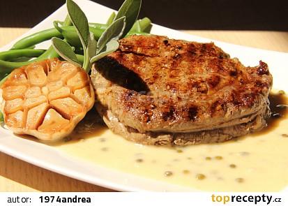 Rib eye steak s omáčkou z pečeného česneku ( medium - medium rare)