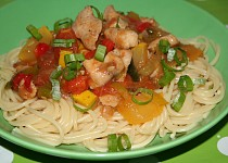 Zelenina s kuřecím masem a rýží