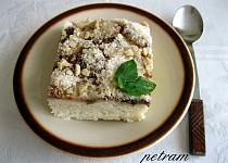 Banánovo-skořicový koláč s drobenkou bez lepku, mléka a vajec