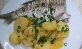 Cejni s brambory zapečení v Dutch-Oven
