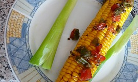 Grilovaná kukuřice s paprikovým máslíčkem