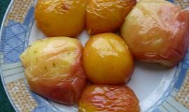 Grilované ovoce v medové marinádě se skořicí