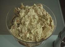 Lehká pěna z cukety a ořechů