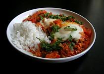 Shakshuka (rajčatová omáčka s vejci)