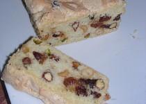 Sněhový koláč se sušeným ovocem