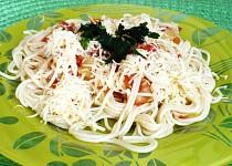 Špagety v rajčatovo - cuketové omáčce