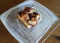 Švestkový koláč s mákem a marcipánem bez sušeného mléka