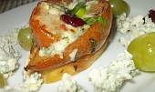 Crostini s hruškou,  octem Balsamico a modrým sýrem