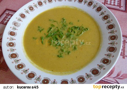 Dýňová polévka s rajčaty