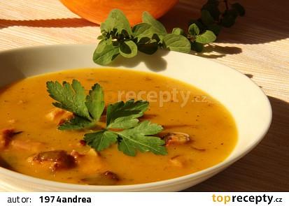 Dýňová polévka s uzeným