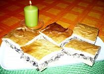 Houbový koláč z kynutého těsta