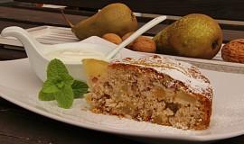 Hruškový koláč s ořechy