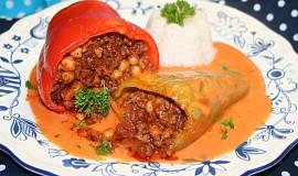 Paprikové lusky plněné mletým masem a cizrnou