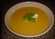 Řecká kuchyně - Kolokythósoupa (dýňová polévka) český videorecept