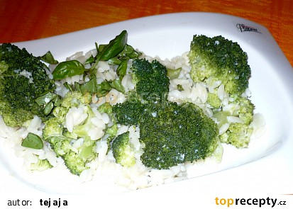 Těstovinová rýže s brokolicí
