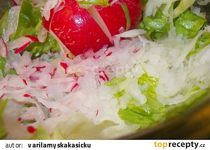 Zdravý a čistící salát z černé ředkve