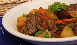 Zvěřinové Irish stew ( Irské dušené)