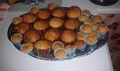 Banánové muffiny s kousky bílé čokolády