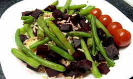 Červená řepa s fazolovými lusky a rýží