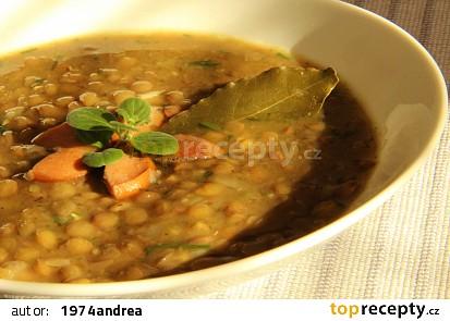 Čočková polévka s párkem