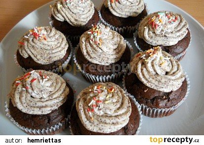Čokoládové muffiny s krémem stracciatella