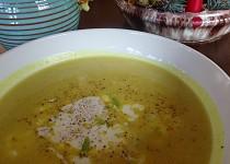 Jablečná polévka s kari podle Marthy Stewart