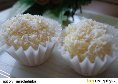 Kokosové kuličky s vaječným koňakem