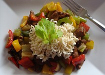 Krůtí maso v zelenině