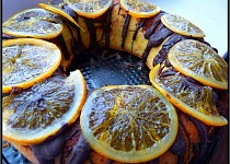 Mramorovaný věnec s kandovaným pomerančem