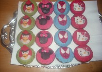 Muffiny s marcipánem (Spiderman,Angry Birds,Hello Kitty a Minnie)