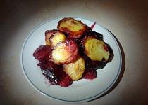 Zapečené brambory s červenou řepou