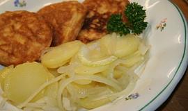 Bramborový salát  cibulový  Štědrovečerní večeře