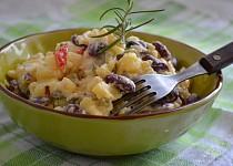 Bramborový salát s fazolemi