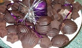"""Čokoláda podle   manžela  """"vařilmyšák"""" plněná sojovým sukem s rumem"""
