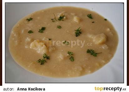 Květáková polévka se smetanou