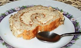 Ořechová roláda s jemným krémem