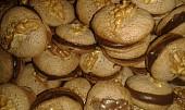 Placičky s vlašskými ořechy a karamelovým krémem