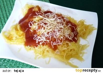 Špagetka s kečupem a sýrem