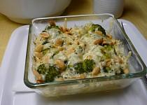 Brokolice zapečená s oříšky a směsí sýrů