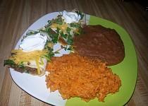 Burrito s mletým masem a mexická rýže