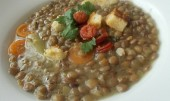 Čočková polévka s petrželí,  mrkví a řapíkatým celerem