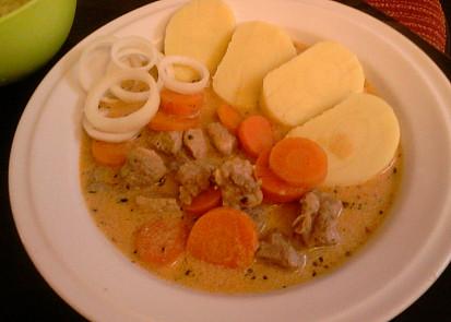 Vepřová plec s dušenou mrkví