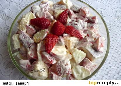 Ovocný salát s jahodami