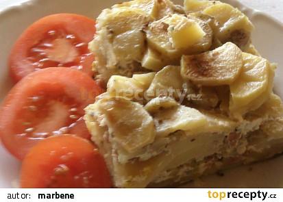 Zapečené brambory s pórkem, salámem a Nivou