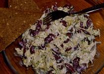 Zelný salát s červenými fazolemi