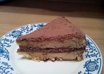 Bezlepkový cizrnový dort s pařížskou šlehačkou